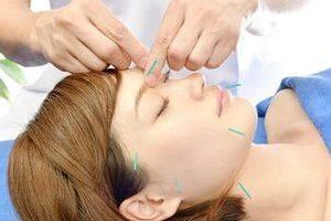 美容鍼灸B(頚椎調整・LED療法)のサムネイル